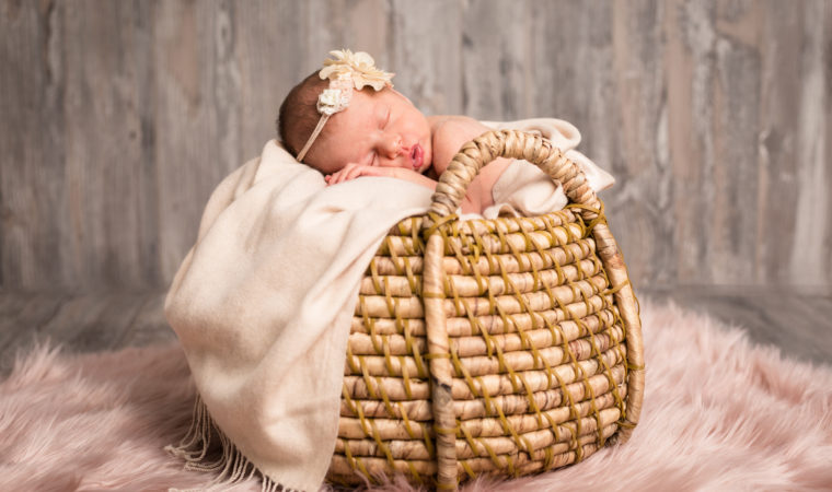 Foto neonati: il servizio fotografico newborn